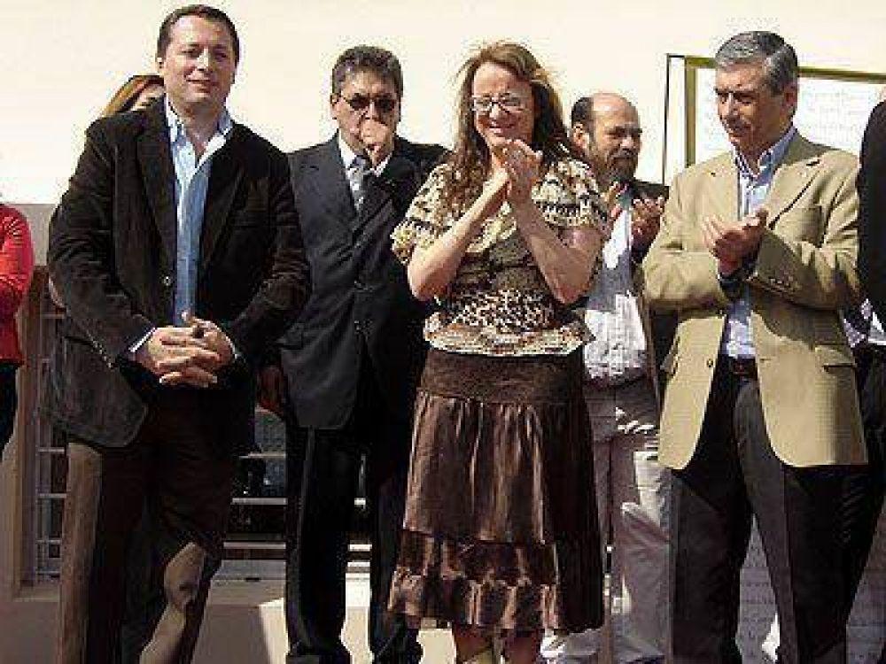 """Alicia Kirchner: """"Hay quienes quieren vernos con los brazos caídos"""""""