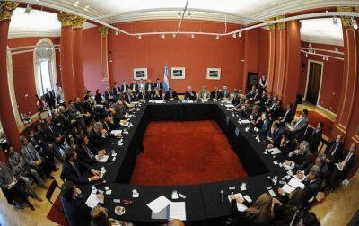 Arcioni: �Das Neves fue reconocido por los gobernadores como el gran promotor de estas reuniones�