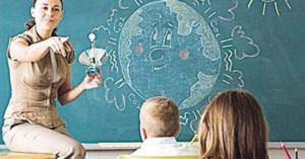 Los gremios docentes profundizan su reclamo salarial al Gobierno