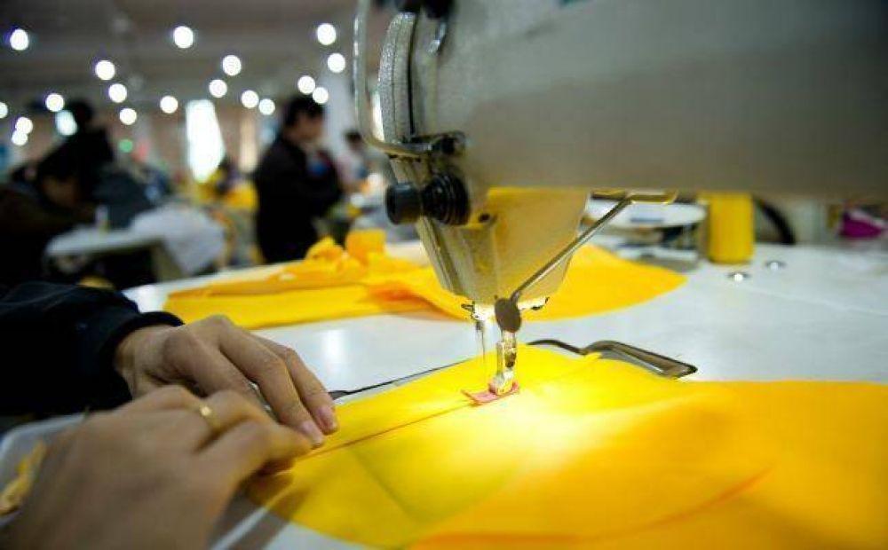 Empresa textil suspende personal y cierra durante dos meses