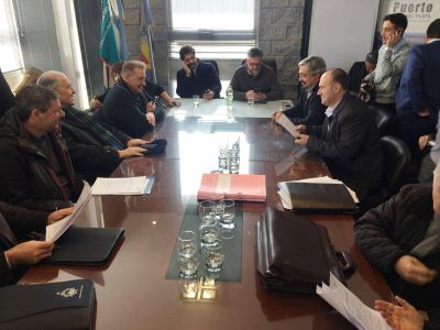 Conformaron comisiones para resolver los problemas del puerto local
