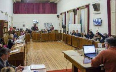 Azul: El Intendente y los concejales se aumentaron el sueldo al doble