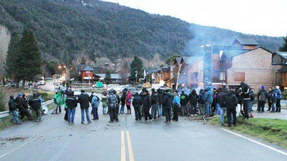 Sector disidente de ATE impide el acceso a Chapelco