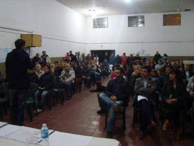 PROMEBA IV: El intendente encabezó la primera consulta pública en el SUM de Latino