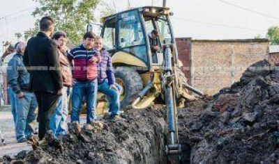 El Concejo respondió a un reclamo de vecinos y avanzan cloacas en Villa Saavedra