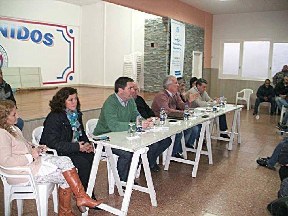 El municipio paga en dos veces y el sindicato se moviliza al Ministerio