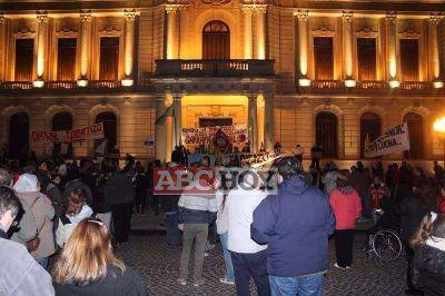 "Nueva marcha de tandilenses contra el ""tarifazo"""