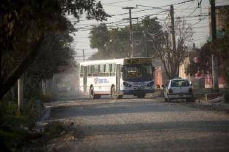 Tras un asalto, UTA amenaza con no entrar al barrio Smata