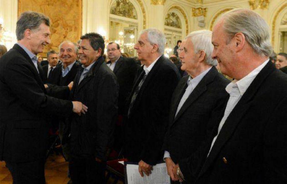 Macri no calma a los gremios: Moyano confirma paro y Palazzo pide reabrir paritarias