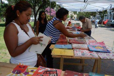 """""""Feria del trueque"""" por los barrios de la ciudad"""