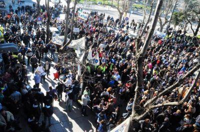 Tarifas: protesta, gestión y política
