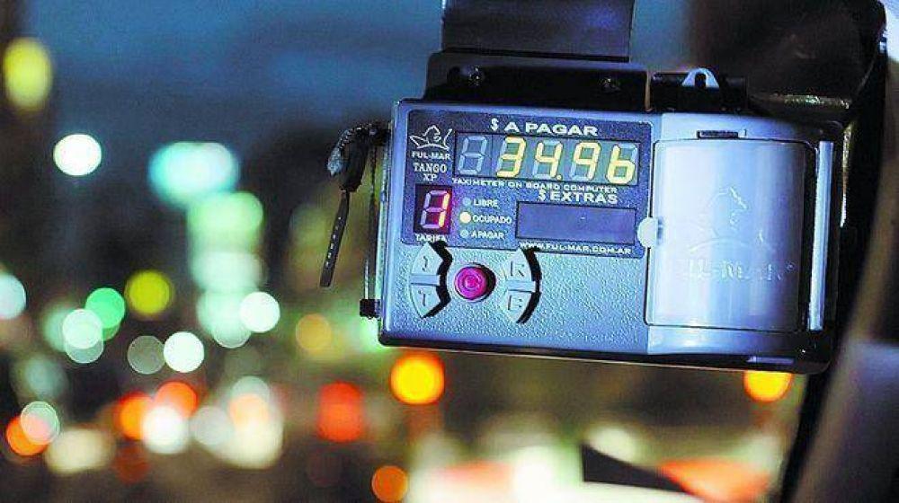 Taxistas no descartan pedir que se adelante el aumento anual de la tarifa