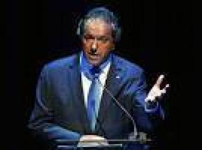 �Si la provincia de Buenos Aires est� quebrada, Scioli debe dar explicaciones