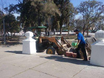 Remodelan la plaza central de la ciudad de G�emes