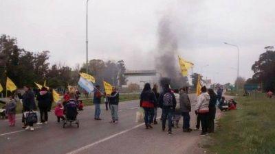 Pese al intento del Municipio, cooperativistas acamparon en la Ruta 2