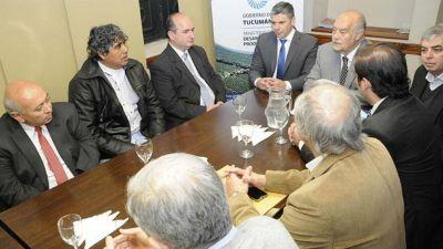 Ministro tucumano culpa al macrismo por la grave crisis TEXTIL: