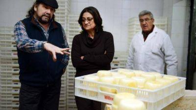 Lucía prometió más equipos para Cotali