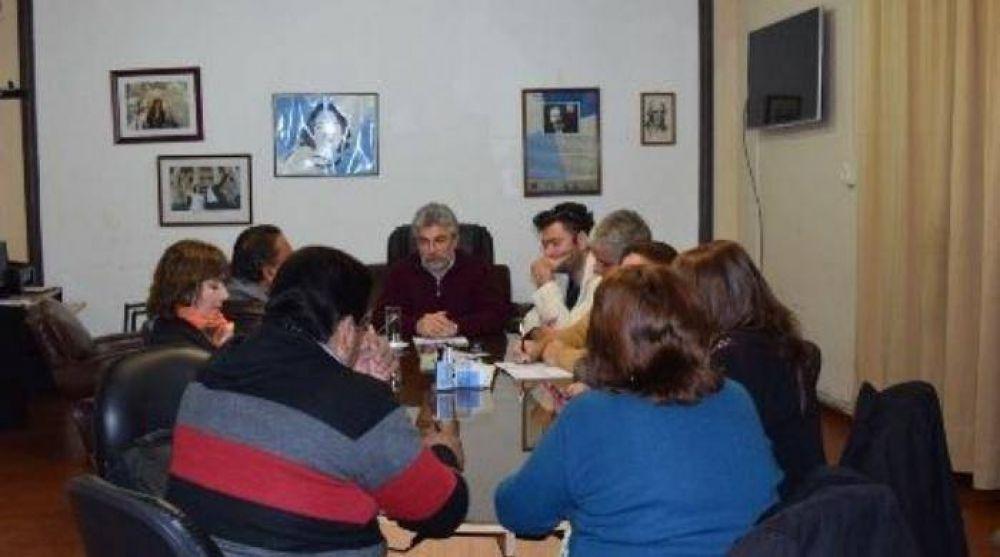 Reunión de paritaria entre el Gobierno y gremios docentes