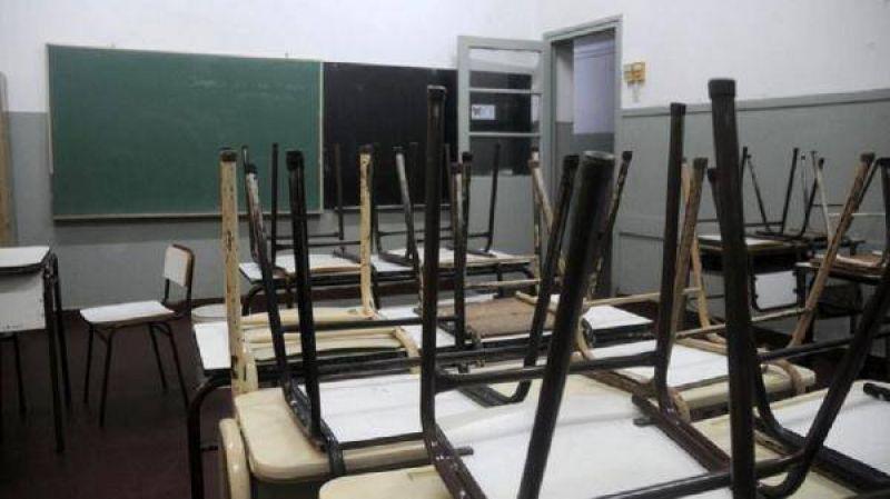 Los docentes amenazaron con un paro si el gobierno no responde a su reclamo salarial