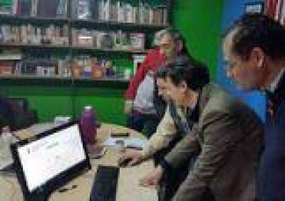 La Plata: El PJ presentó una web de reclamos para marcar de cerca a la gestión de Garro