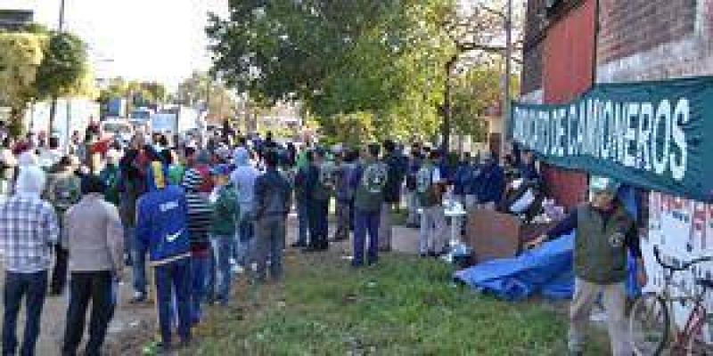 Distribuidora de bebidas en conflicto con el gremio de camioneros en Clorinda