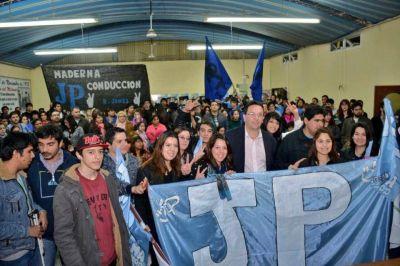 Maderna se reunió con jóvenes peronistas