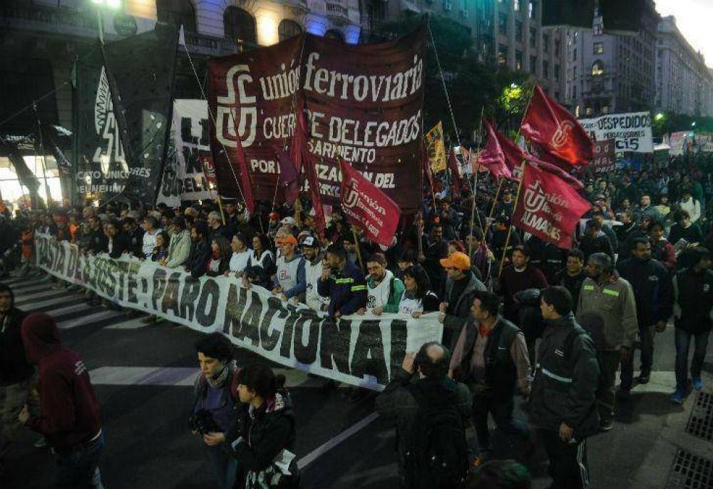 Sindicatos y partidos de Izquierda marcharon contra el ajuste