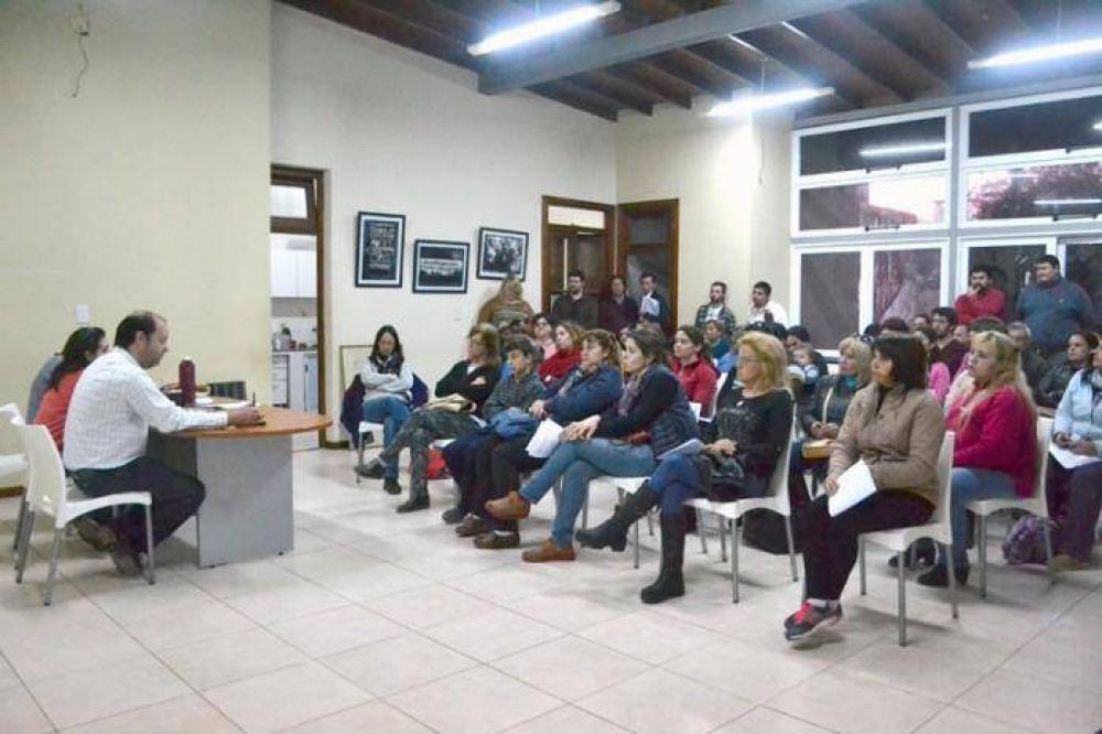 Agmer se reunió en asamblea de cara al congreso provincial
