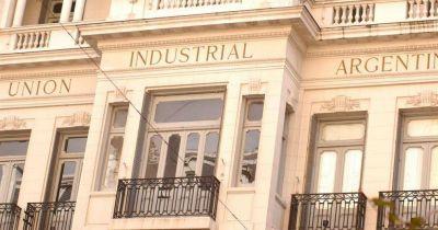 Para la UIA la actividad industrial en junio cay� m�s del 8% interanual