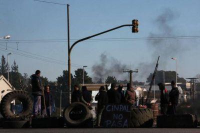 La UOM bloque� el acceso al Parque Industrial y agudizar� la protesta por los operarios de Cinpal