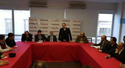 Encuentro radical para calmar ánimos: Sanz y Salvador se reunieron con alcaldes