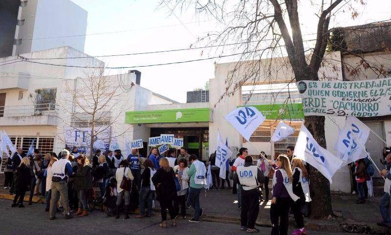 Los docentes salieron furiosos de la paritaria y se encamina el paro del 11