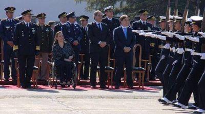 Michetti y Llaryora encabezaron en C�rdoba el 104 aniversario de la Fuerza A�rea