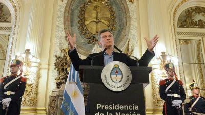 Mauricio Macri busca una reunión con la primera ministra del Reino Unido