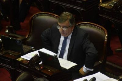 Enojo radical: Cano mandó a su diputado a votar la interpelación a Aranguren