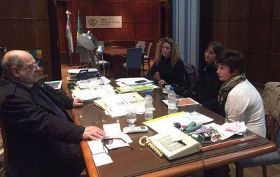Arroyo se reunió con integrantes de la ONG OJA