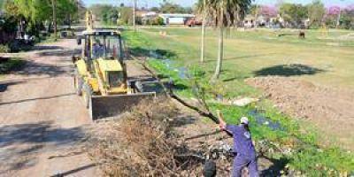 Intenso trabajo de limpieza y mantenimiento en barrios del sector norte de la ciudad