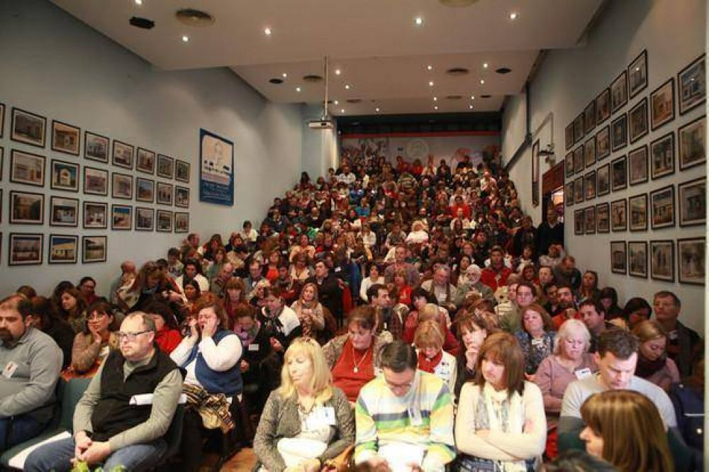 Paran todos los docentes bonaerenses y la puja con el Gobierno va para largo