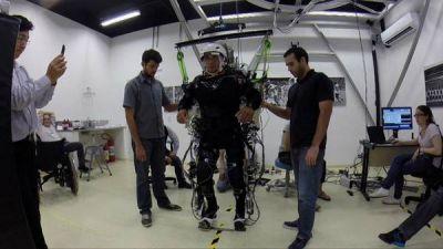 Usando realidad virtual logran avances inéditos en parapléjicos