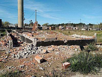 Concejales denuncian abandono en la obra del jardín de La Herradura