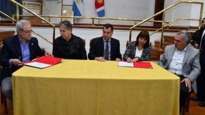 El Gobierno de la provincia firmó convenios con el Servicio Geológico Minero Argentino