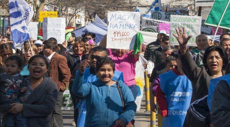Marcha contra el tarifazo y los despidos