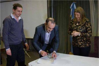 Bertone firmó acuerdo para venta de productos a precios diferenciados