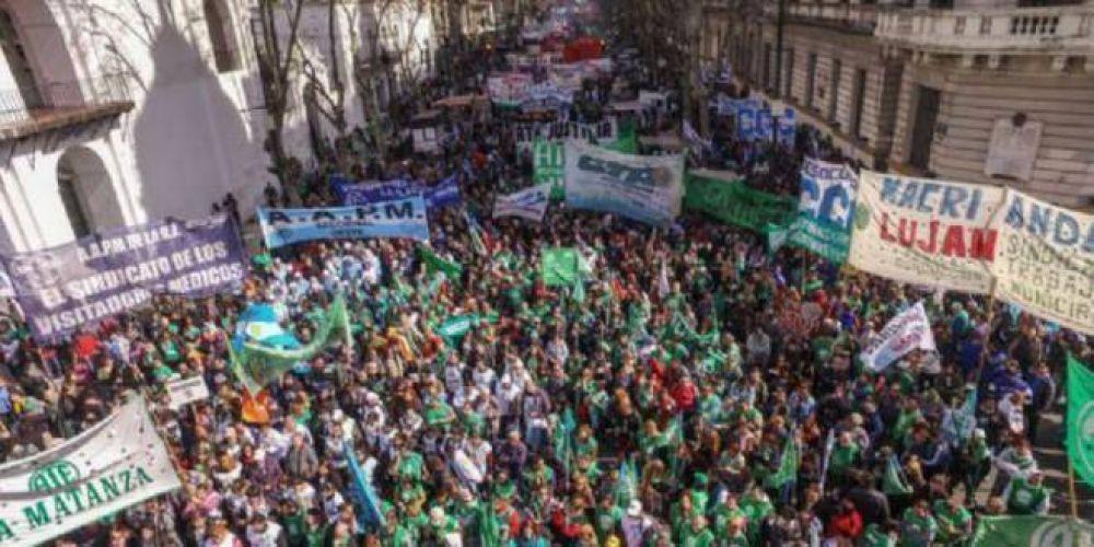 Importante paro y marcha de estatales a Plaza de Mayo