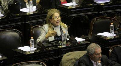 Camaño denunció que Aranguren financia un negocio de Shell en Chile con la importación de gas