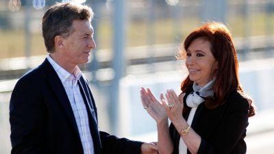 Mauricio Macri y Cristina Kirchner juegan a no cerrar la grieta