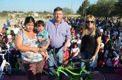 Peppo homenaje� a los ni�os en Colonia El Pastoril: