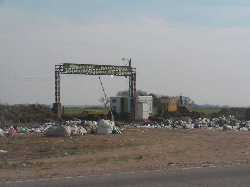 Trabajadores municipales impidieron el ingreso de los camiones de ASHIRA al Relleno Sanitario