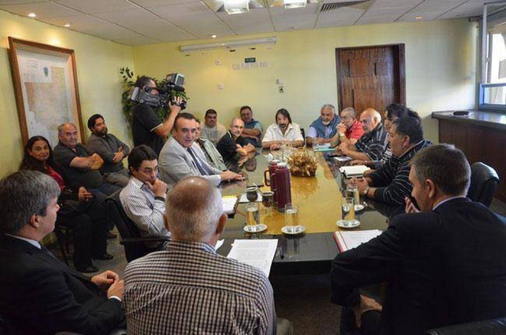 La paritaria se reúne el martes: gremios quieren un 14% para el semestre final