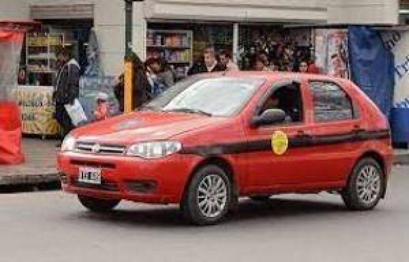 Aumentos del servicio: taxistas de Met�n quieren actualizar la tarifa de servicios